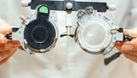 Accès aux soins : bientôt plus de compétences aux opticiens ?